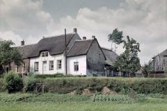 restauratie rijksmonumentale boerderij uit 1728 te heukelum 1964